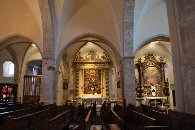 Eglise Collégialle interior