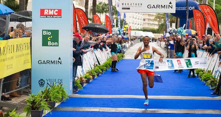 Abrha Milaw crosses the finish line in Marathon des Alpes-Maritimes Nice - Cannes 2018